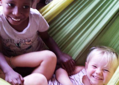 Vika's vriendinnetje en Lova 1 jaar